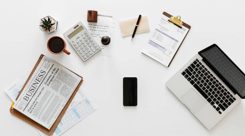 5 Smart Financial Goals for Every Decade #money #wealth #financialgoals #beverlyhills #beverlyhills #bevhillsmag