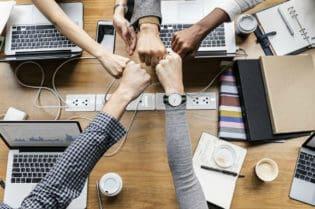 3 Goals For Your Business in 2019 #businessmeeting #business #success #beverlyhills #beverlyhillsmagazine #bevhillsmag #goals