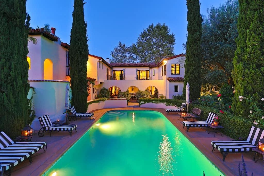 Celebrity-Homes-Beverly-Hills-Real-Estate-Beverly-Hills-Mansions-Celebrity-Mansions-Beverly-Hills-Magazine