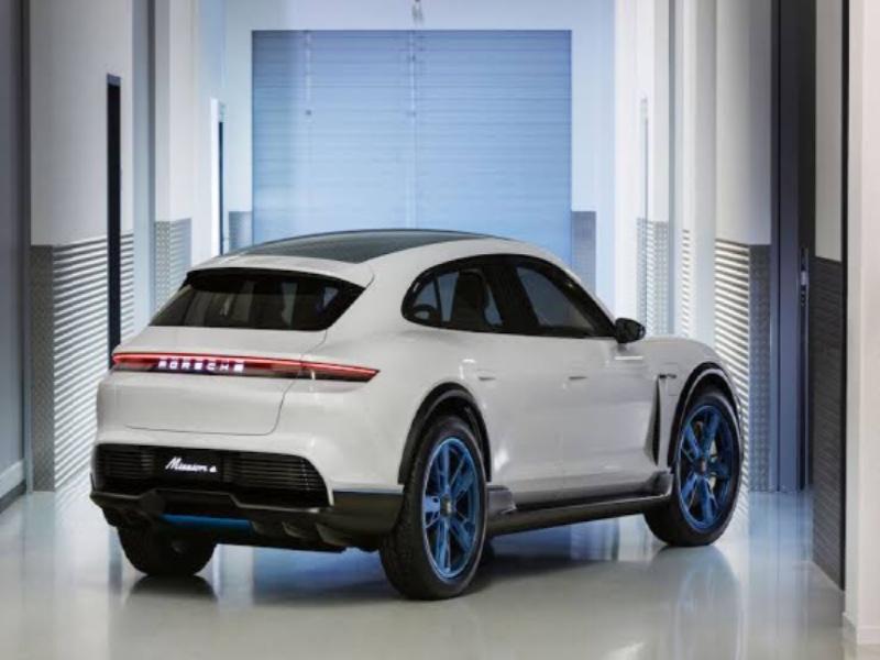 Dream Cars: Porsche Taycan Cross Turismo