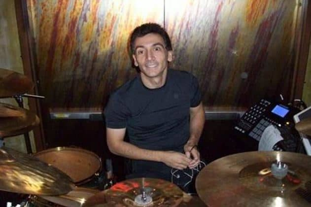 David Frangioni performs with Phil Collins ta Little Dreams Foundation Charity
