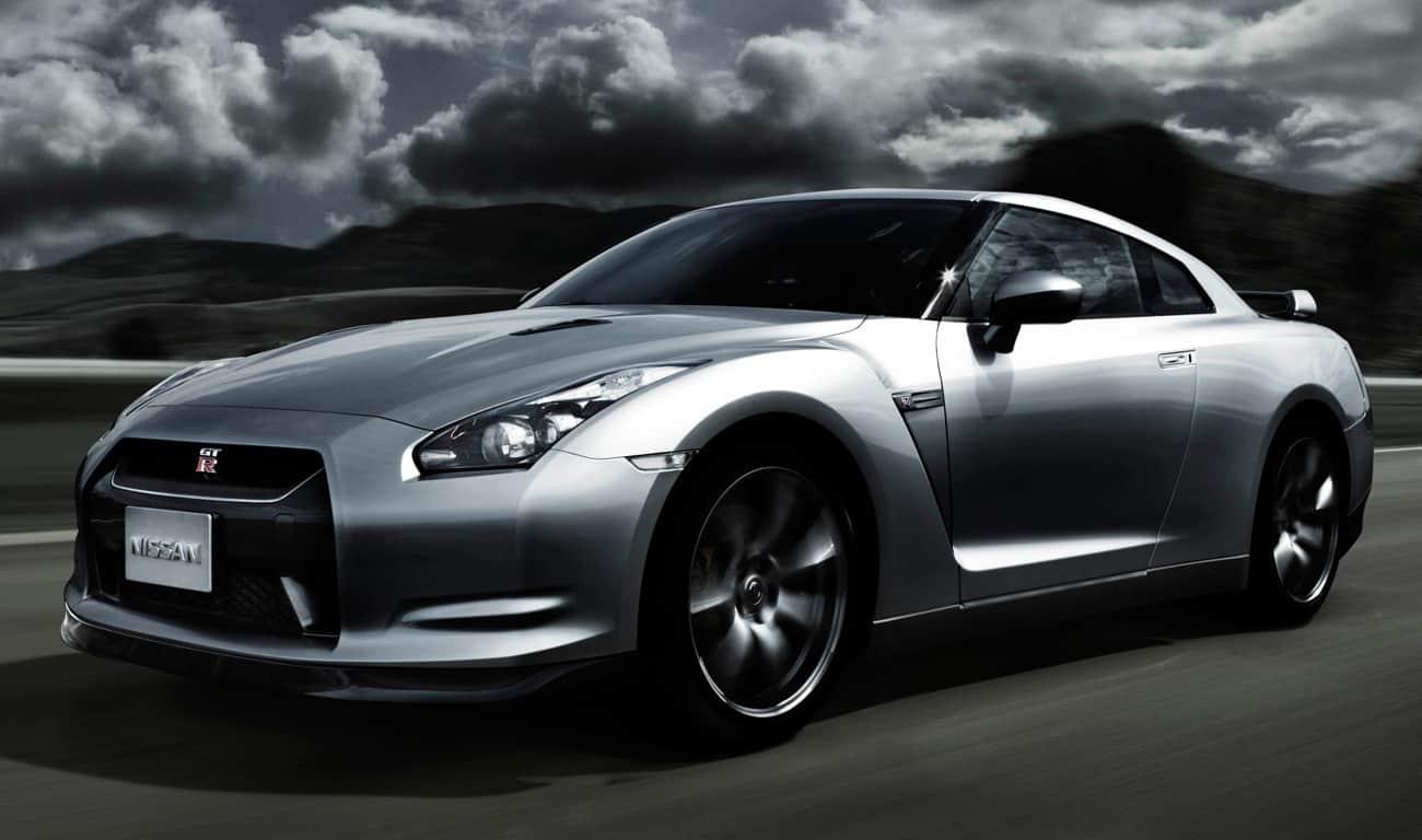 Dream-Cars-Nissan-GT-R-Beverly-Hills-Magazine-1