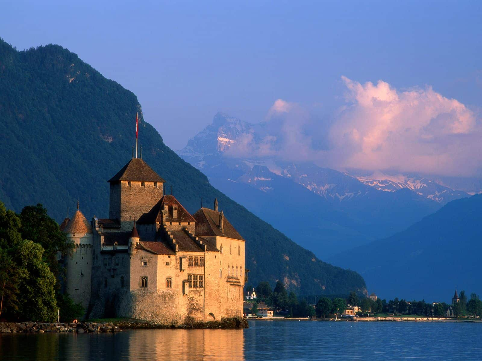 Exclusive-Escapes-Travel-to-Switzerland-Zurich-Cities-in-Switzerland-Geneva-Switzerland-Lake-Geneva-Luxury-Travel-Magazine-1