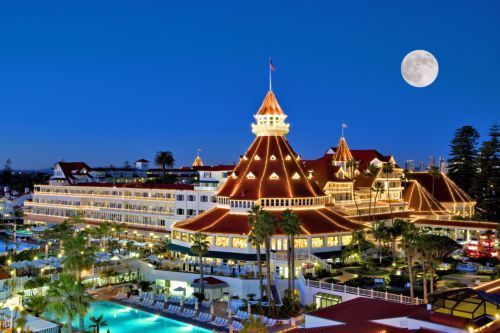 Exclusive-Hotel-Del-Coronado-San-Diego-Hotels-Luxury-Travel-to-San-Diego-Hotel-Del-Beverly-Hills-Magazine