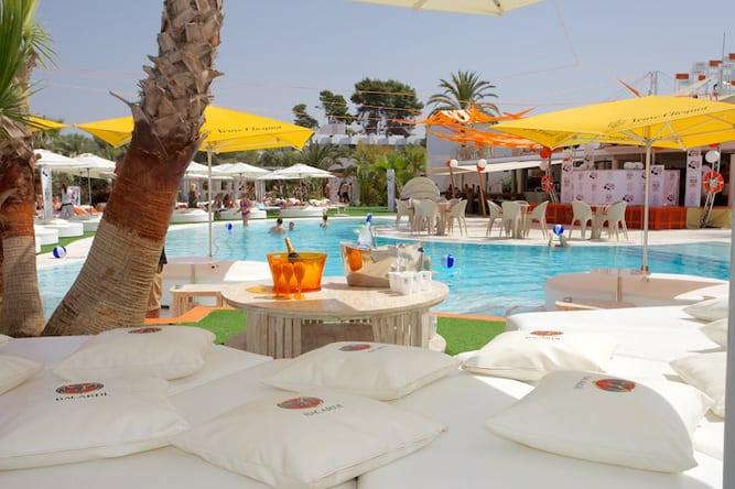 Exclusive-Travel-to-Ibiza-Ocean-Beach-Club-Ibiza-Luxury-Villas-in-Ibiza-Beverly-Hills-Magazine