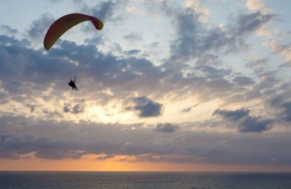 Favorite-Celebrity-Gift-Ideas-Sky-Diving-Adventure-Sports-Luxury-Goods-Beverly-Hills-Magazine-Luxury-Lifestyle-1
