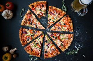 5 Amazing Dining Experiences in Darwin, Australia #pizza #food #dining #finedining #australia #darwin #beverlyhills #beverlyhillsmagazine #BevHillsMag