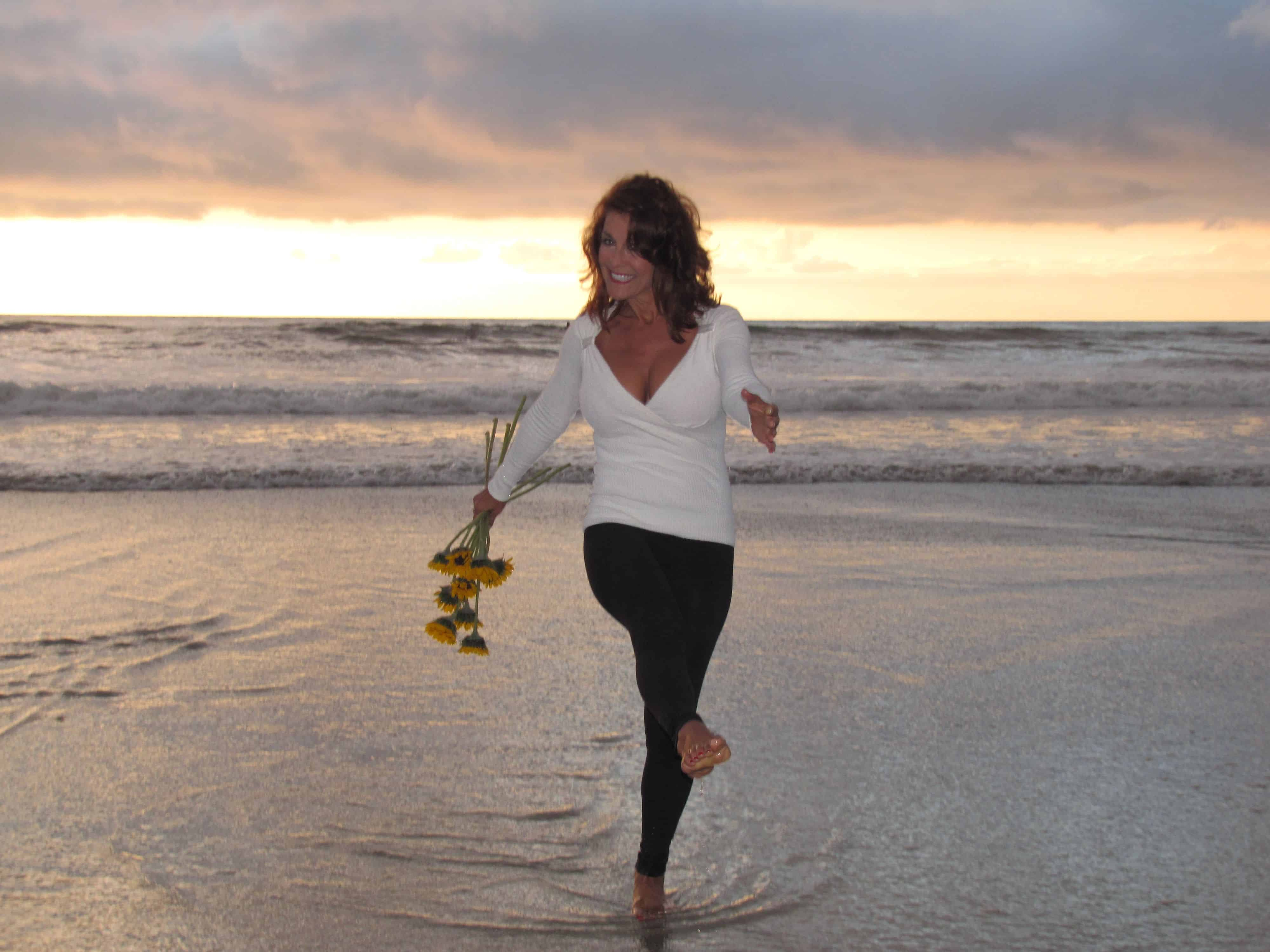 Fitness-First-Getting-Fit-Fitness-World-Health-and-Fitness-Kathleen-Pagnini-Fitness-Core-Exercises-Beverly-Hills-Magazine