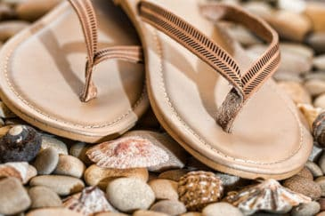 Fashion Tips: How to Wear Your Flip-Flops #shop #fashion #style #shop #shopping #clothing #beverlyhills #flipflops #shoes #sandals #beverlyhillsmagazine #bevhillsmag #dresses