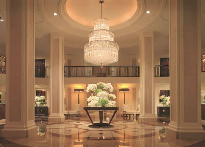 #BeverlyWilshire #BeverlyHills #Fivestarhotels #exclusiveescapes #vacation #luxurylifestyle #hotels #travel #luxury #hotels #exclusive #getaway #destinations #england #beautiful #life #traveling #bucketlist #beverlyhills #BevHillsMag #vacation #travel