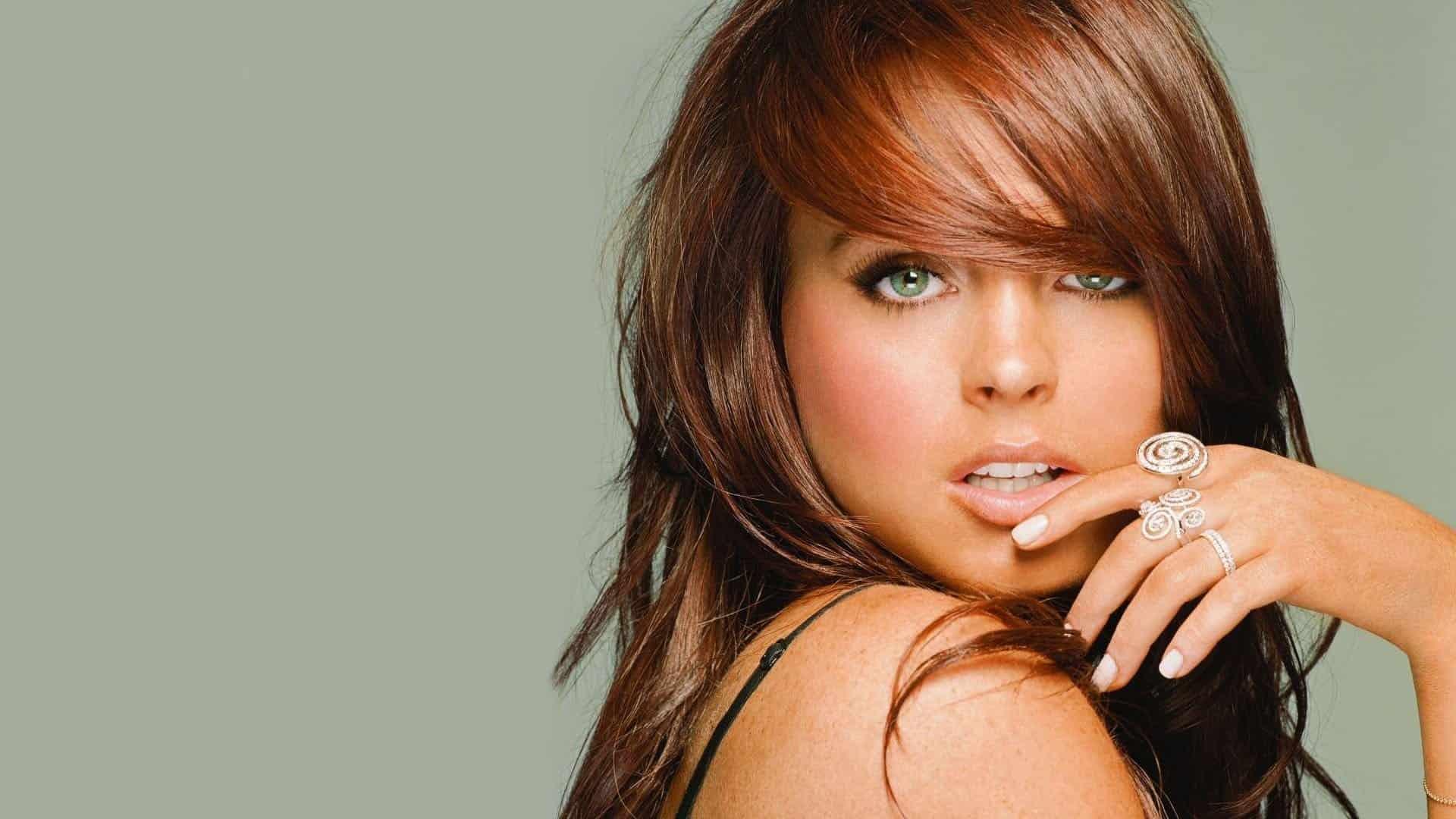 Hollywood-Celebrities-Lindsay-Lohan-Beverly-Hills-Magazine