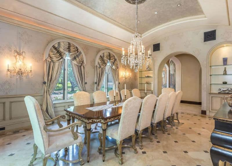 A Luxurious #Mansion in Exclusive Beverly Park North #beverlyhills #realestate #mansions #homes #dreamhome #celebrity #homesforsale #beverlyhillsmagazine #bevhillsmag