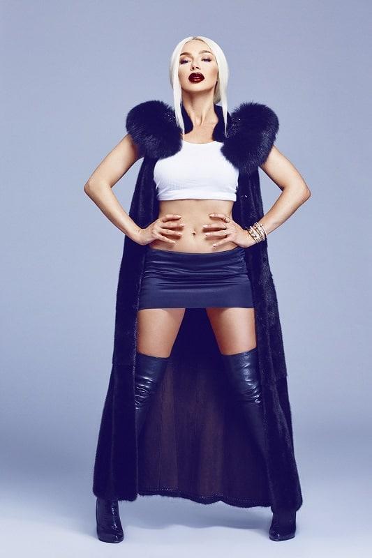 Rising Music Superstar: Ivy Layne