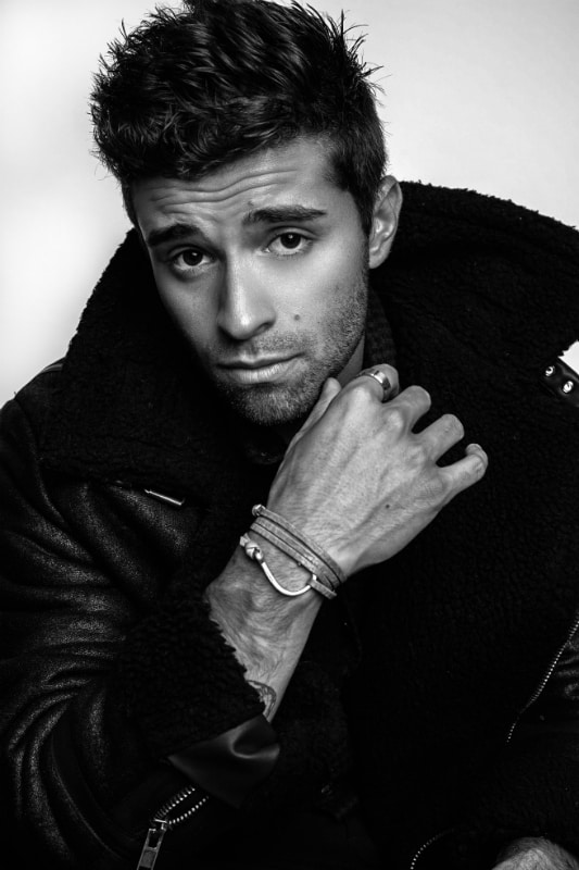 Hottest Music Superstar: Jake Miller #Celebrity #music #musicstars #jakemiller #stars #musicstars #famous #singers #entertainment #lifestyle #celebrities #waitforyou #beverlyhills #BevHillsMag @JakeMiller