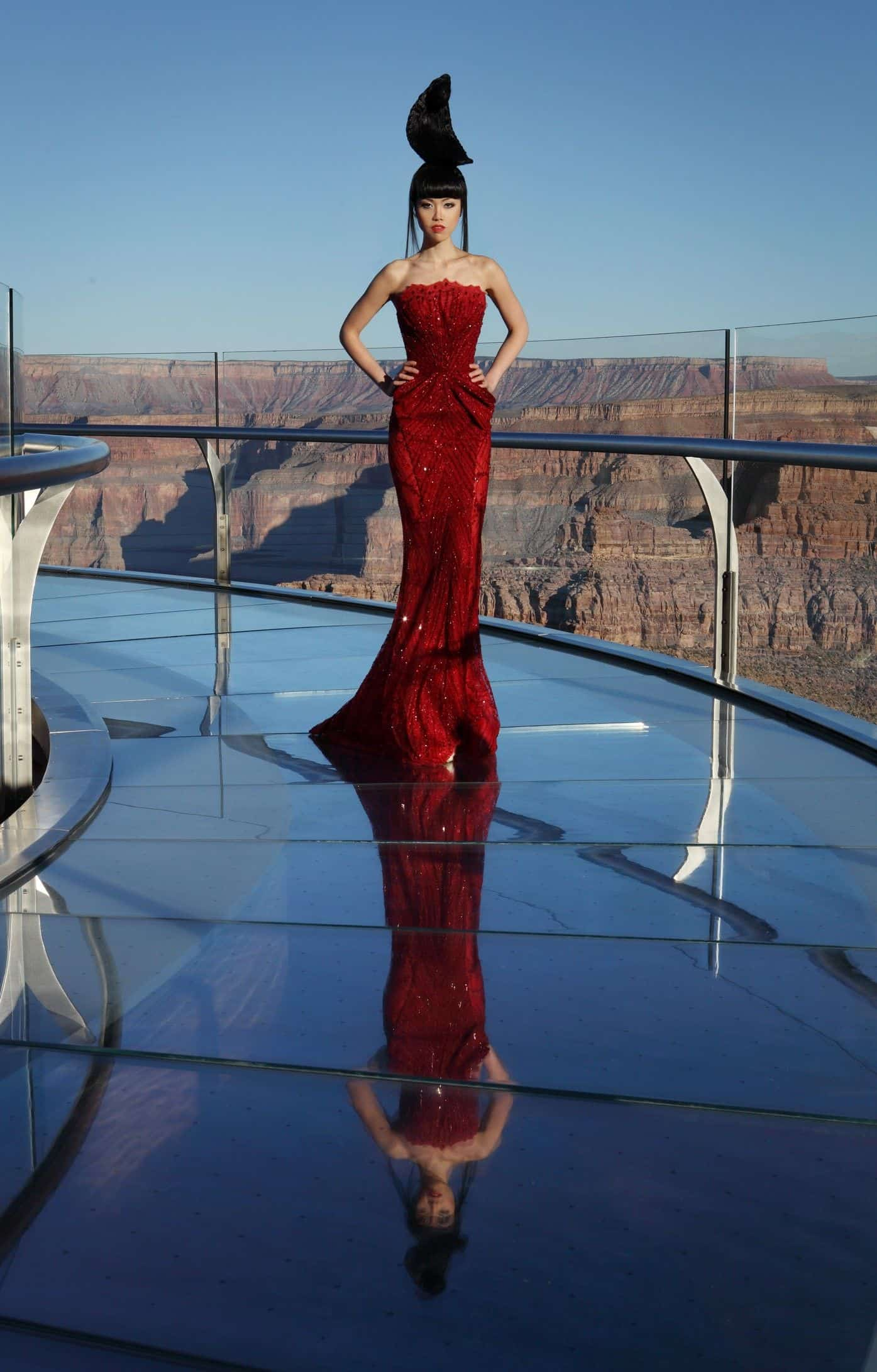 Jessica-Minh-Anh-Fashion-Shows-Fashion-and-Style-Magazine-J-Autumn-Fashion-Show-20Fashion Show at The Grand Canyon