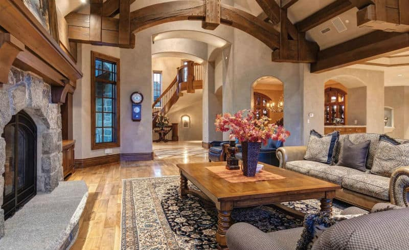 A Grand #Mansion in the #Mountains of Park City, Utah #USA #parkcity #utah #dreamhomes #parkcityutah #realestate #homesforsale #skilife #beverlyhills #beverlyhillsmagazine #luxury #exclusive #luxurylifestyle #beautiful #life #beverlyhills #BevHillsMag
