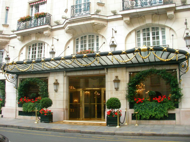 Le Bristol Paris #Fivestarhotels #exclusiveescapes #prais #france #vacation #luxurylifestyle #hotels #travel #luxury #hotels #exclusive #getaway #destinations #beautiful #life #traveling #bucketlist #beverlyhills #travel #luxury #vacation #BevHillsMag