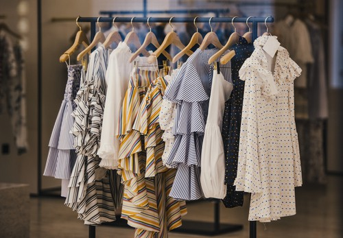 7 Reasons Why You Should Rent Clothes, Not Buy #fashion #style #shop #shopping #clothing #beverlyhills #shop #clothes #shopping #beverlyhillsmagazine #bevhillsmag #dress #styles #instyle #dresses #shop #clothes #shopping #shoes #handbags