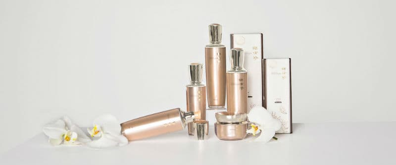 SMD Cosmetics'Inhyunjin Collection #beverlyhills #beverlyhillsmagazine #fashion #style #hollywood #holidays #giftguide #holidaygiftsguide #giftideas #gifts