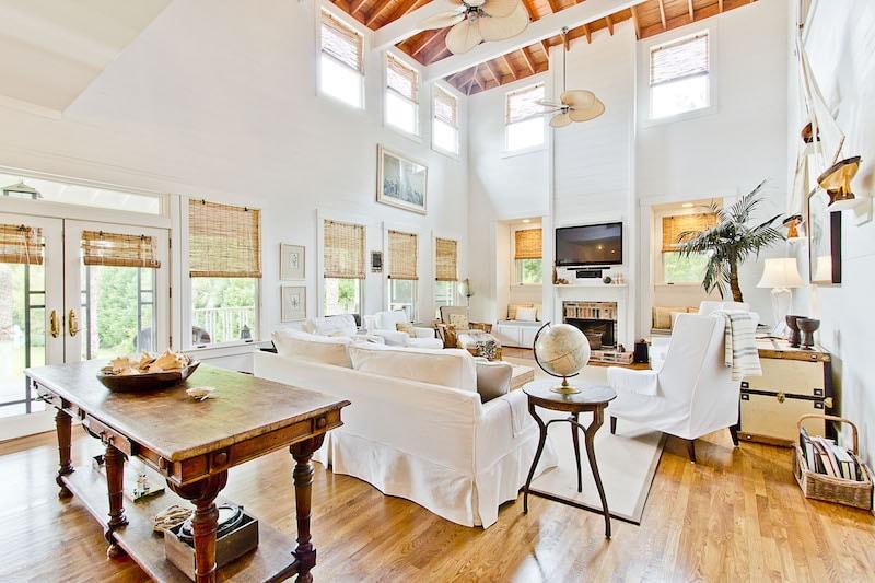 Sandra Bullock's Sweet Georgia Home #sandrabullock #luxury #realestate #homesforsale #celebrity #celebrityhomes #celebrityrealestate #realestate #dreamhomes #beverlyhills #bevhillsmag #beverlyhillsmagazine