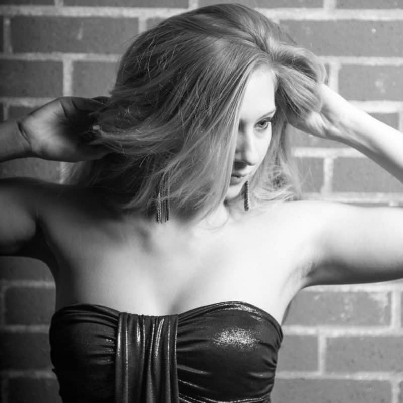 Rising Music Star: Serena Foster
