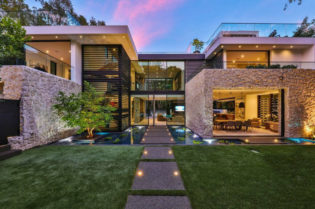 A Contemporary California Luxury Home