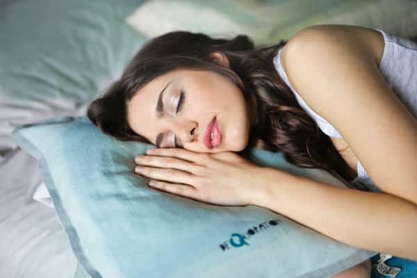 6 Tricks to Get the Best Night's Sleep #goodsleep #sleeping #rest #healthy #healthyliving #healthylife #beverlyhills #bevelryhillsmagaizne #bevhillsmag