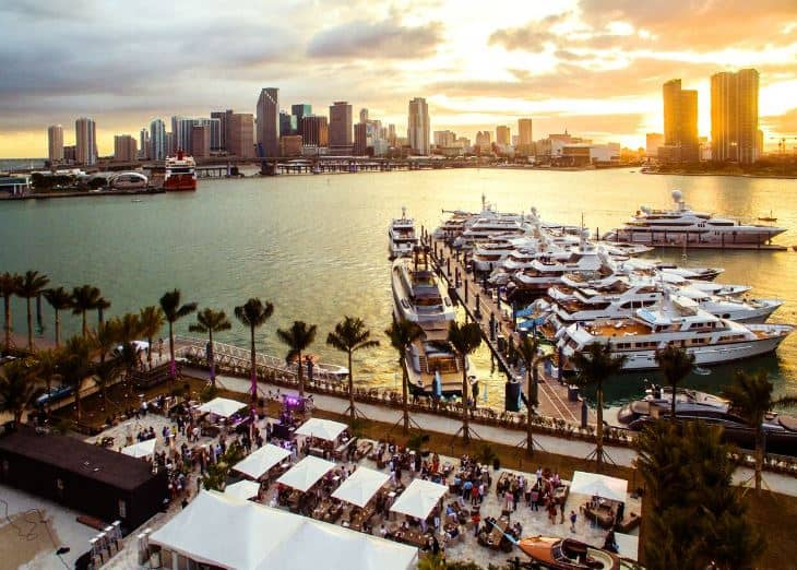 Miami Superyacht Lounge