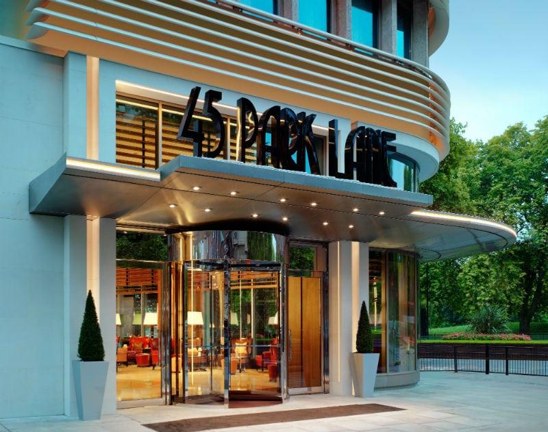 Vacation at the Sophisticated 45 Park Lane #vacation #travel #ivestarhotels #luxury #hotels #bevhillsmag #beverlyhills #beverlyhillsmagazine
