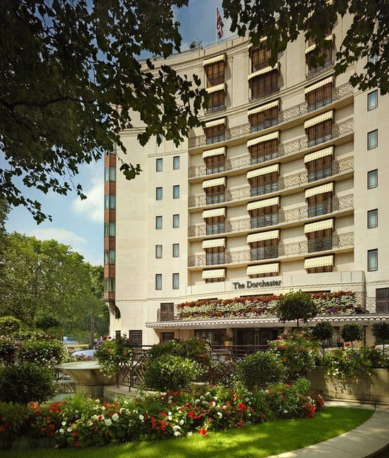 The #Dorchester: Iconic Luxury Hotel in London #Fivestarhotels #exclusiveescapes #vacation #luxurylifestyle #london #hotels #travel #luxury #hotels #exclusive #getaway #destinations #england #beautiful #life #traveling #bucketlist #beverlyhills #BevHillsMag #vacation #travel