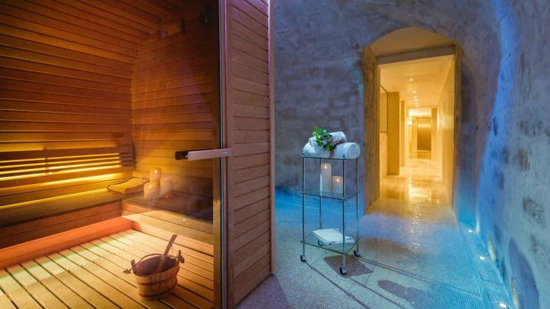Le Roch Hotel & Spa #Paris #vacation #travel #bucketlist #beverlyhills #beverlyhillsmagazine #french #hotels