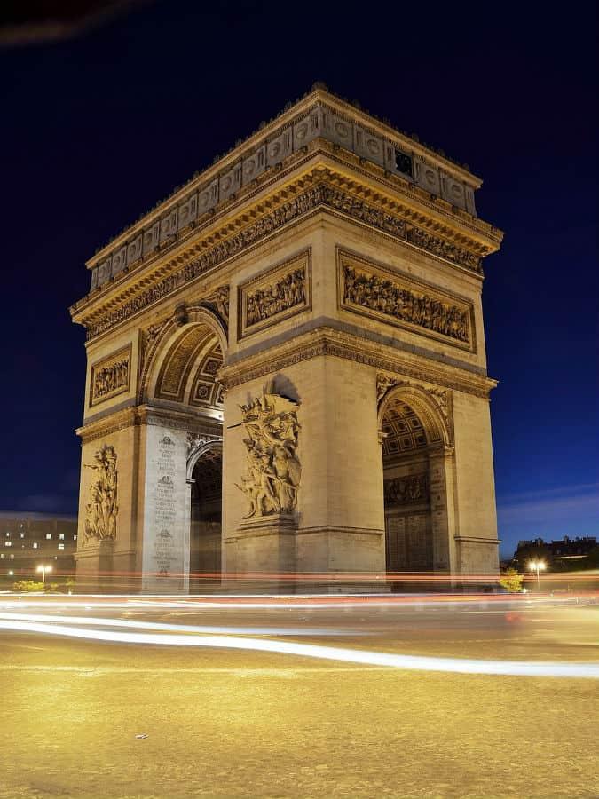 TOP 10 PLACES TO VISIT IN #PARIS #vacation #travel #bucketlist #beverlyhills #beverlyhillsmagazine #france