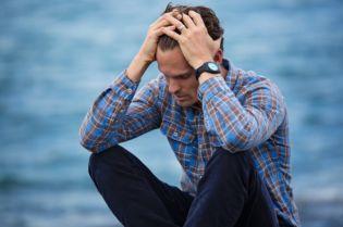 How To Survive A Panic Attack When It Strikes- #bevhillsmag #BeverlyHills #beverlyhillsmagazine #anxiety #anxiety #mentalhealth #health #mentalhealthissues #fear #managingfear #God #worry #mentalhealthadvice #healthadvice #Jesus #Christianity