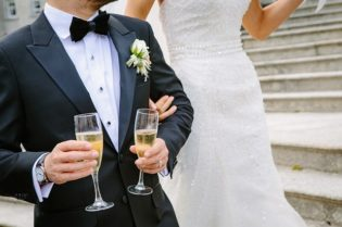 5 Ways To Make Your Groom Feel Special