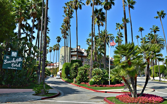 Beverly Hills Hotel in Beverly Hills California 902101