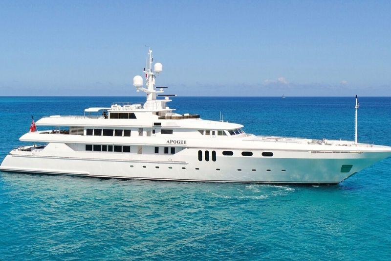 The Apogee| Luxury Superyacht with Italian Flair #yachts #yacht #yachting #yachtlife #luxury #beverlyhills #beverlyhillsmagazine #bevhillsmag #apogee #luxurysuperyacht #italianflair