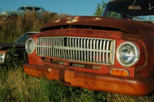 benefits of selling your junk cars:#beverlyhills #junkcars #beverlyhillsmagazine #garage #cars #scrapcars #carrepairs
