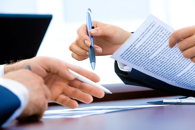 Business Corporation or LLC. Which is better? #business #success #entreprenuers