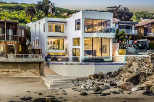 Barry Manilow's Malibu Beach House