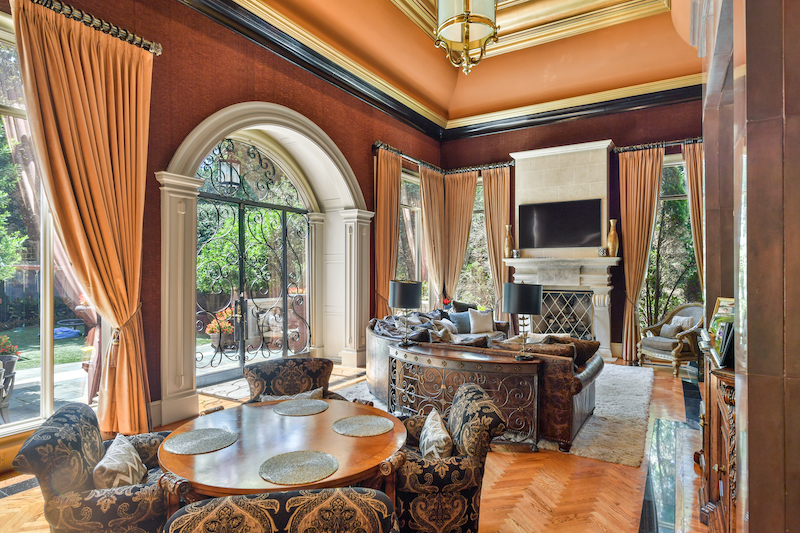 Kenny Rogers' Atlanta Mansion