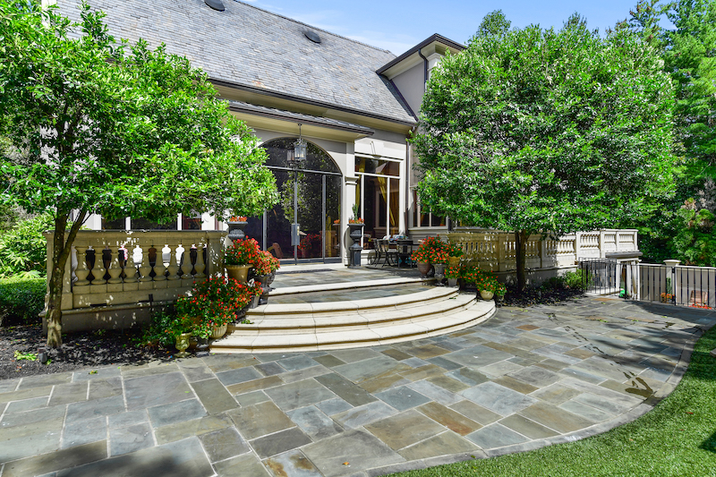 Kenny Rogers' Atlanta Mansion