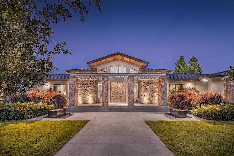 Lamar Hunt's Luxury Ranch & Vineyard - 1