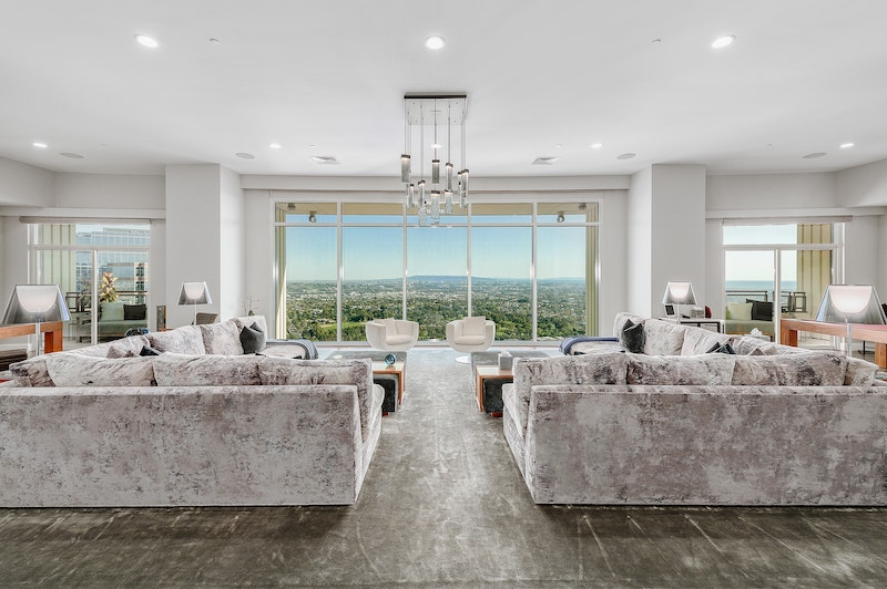 Matthew Perry's Los Angeles Luxury Apartment