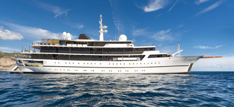 Luxury Yacht: The Chakra #yachting #yachtlife #yachts #yacht #luxury #beverlyhills #beverlyhillsmagazine #bevhillsmag #chakra