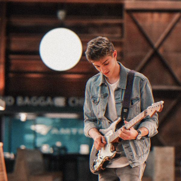 Rising Christian Music Star: Coby James #music #paradise #songs #christian #musicstars #celebrities #beverlyhills #beverlyhillsmagazine #BevHillsMag