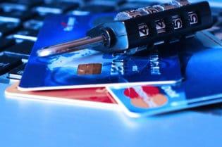 What To Do When Debit Or Credits Cards Are Lost Or Stolen #money #insurance #fraud #help #success #beverlyhillsmagazine #bevhillsmag #beverlyhills