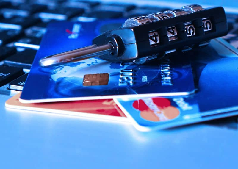 What To Do When Debit Or Credits Cards Are Lost Or Stolen #money #insurance #fraud #help #success #beverlyhillsmagazine #bevhillsmag #beverlyhills