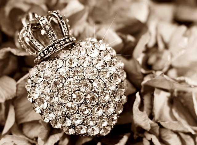 beverly-hills-magazine-earth-diamond