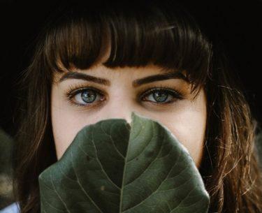 beverly-hills-magazine-eyebrow-microblading