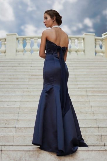 Style Tips To Find The Perfect Dress #shop #dress #dresses #shopping #fashion #style #bevhillsmag #beverlyhills #beverlyhillsmagazine